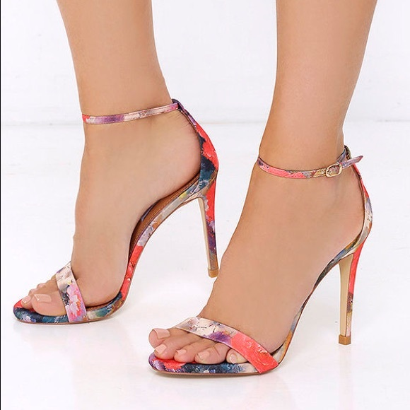 """5a7ea38d77d Steve Madden """"Stecy"""" ankle strap heels in floral. M 5b3fc6d2c9bf50632f7e49cf"""